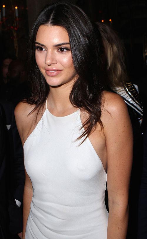 kendall-jenner-boob-nipple-ring