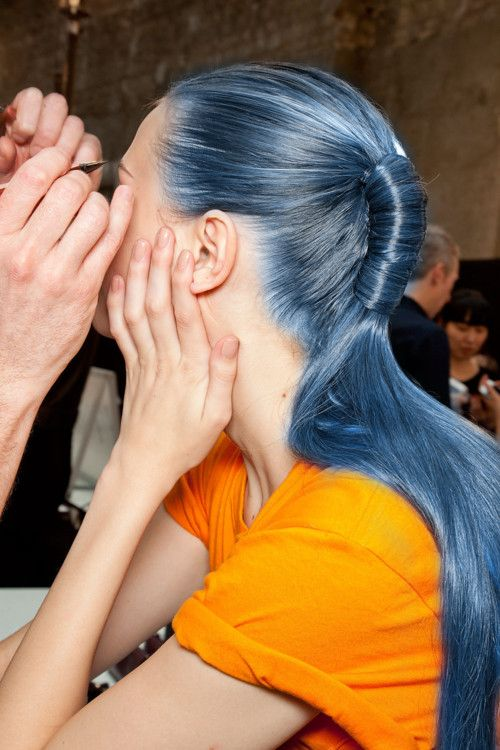 model-backstage-blue-hair