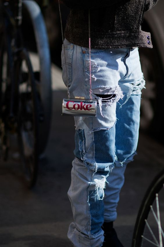 ripped+distressed+denim+street+style+trends+fashion+week