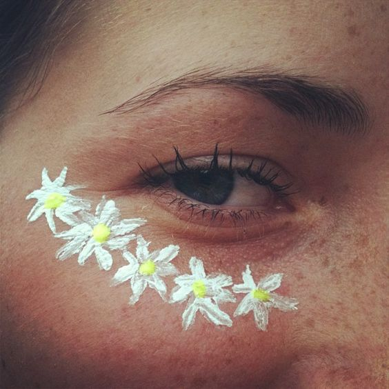 eye-festival-makeup-daisy-flower-face-paint-beauty-trends-summer