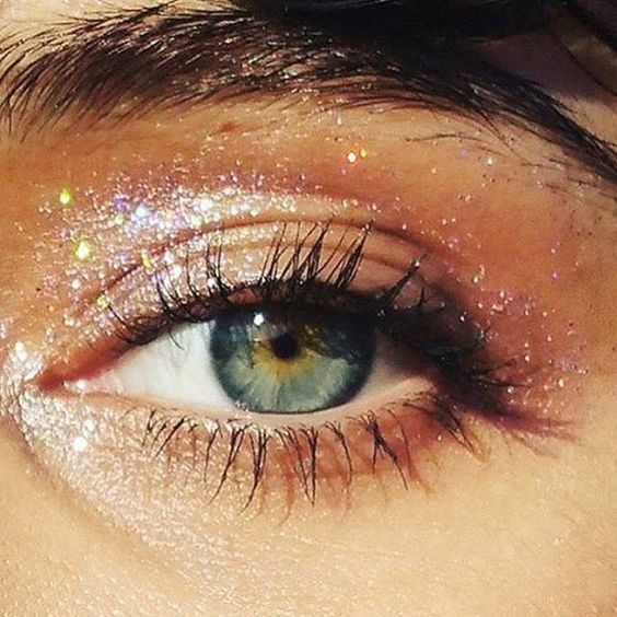 eye-festival-makeup-glitter-beauty-trends-summer