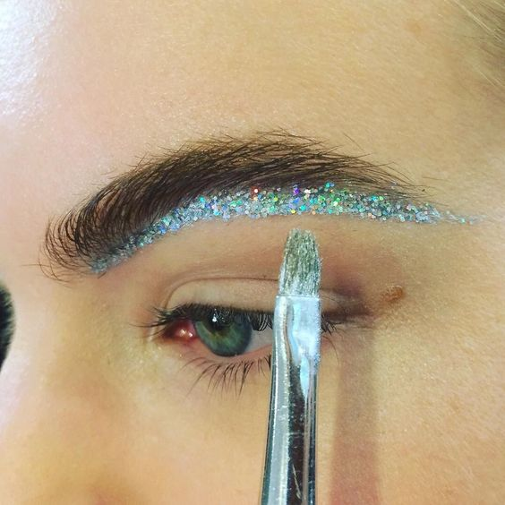 eye-festival-makeup-glitter-brows-eyebrows-beauty-trends-summer