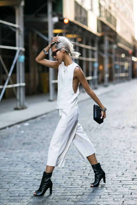 white-dressing-style-street-style-styling-fashion-week-blogger-fashion-vanessa-hong