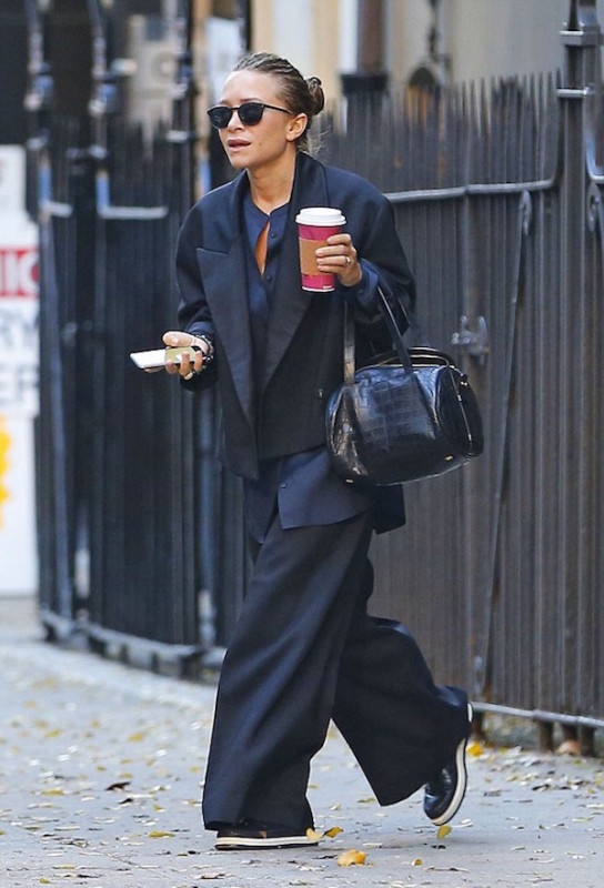 mary-kate-olsen-street-style-chic-menswear-tailoring-oversized