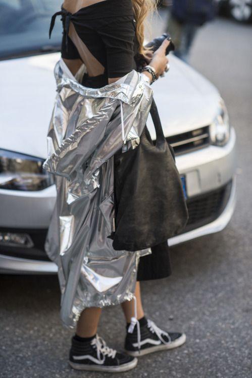 street-style-metallics-metallic-ss16-trends-model-summer-silver