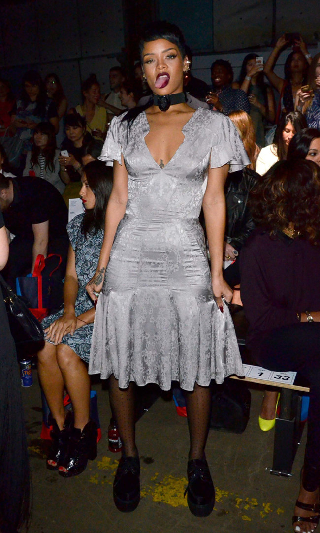 rihanna-debuts-new-york-fashion-week-mullet-68778_w650