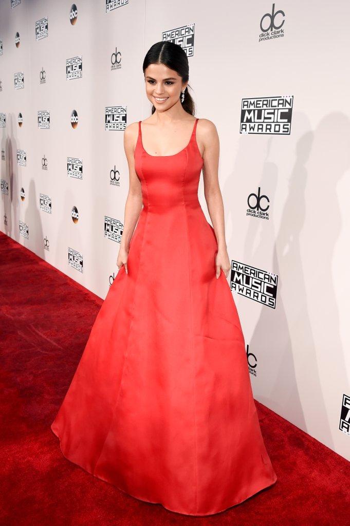 selena-gomez-ama's-american-music-awards-style-dress