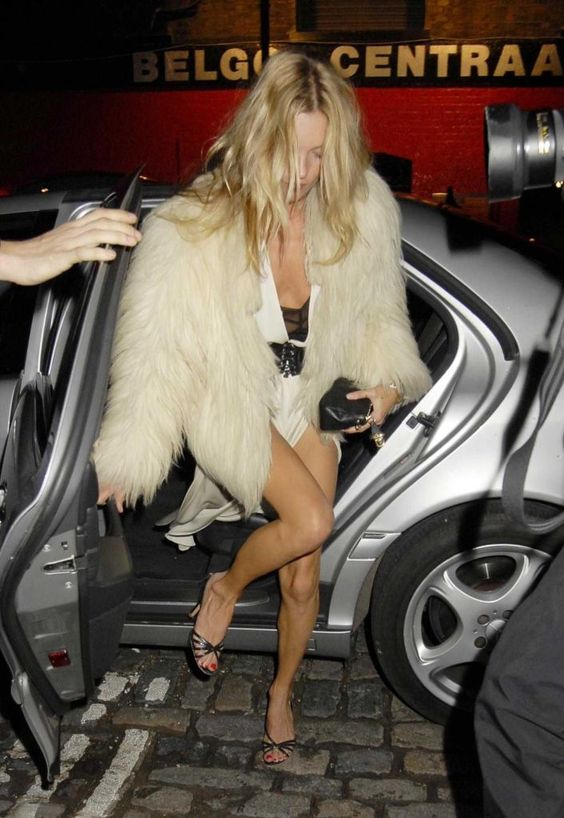 kate-moss-taxi-faux-fur-style-party