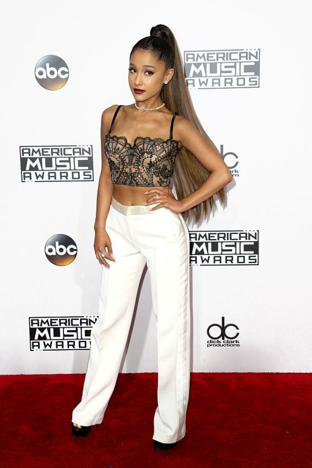 ama's-american-music-awards-style-arianna-grande
