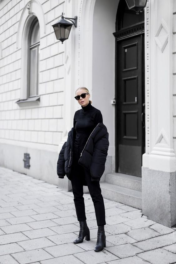 street-style-blogger-model-puffa-coat-jacket-black