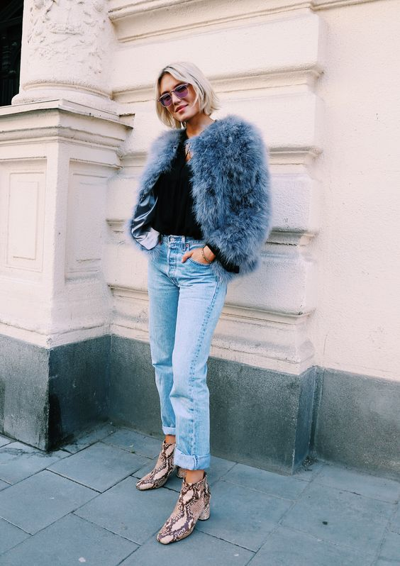 street-style-blogger-model-faux-fur-coat-jacket