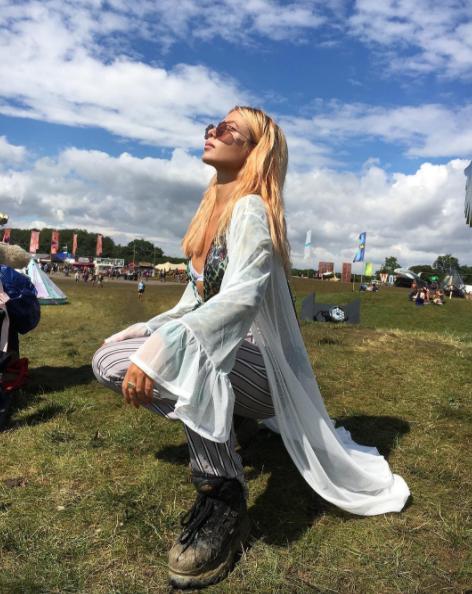 jess woodley festival style