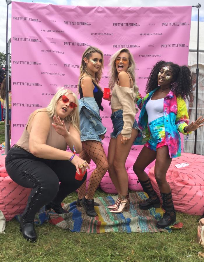 v festival blogger style