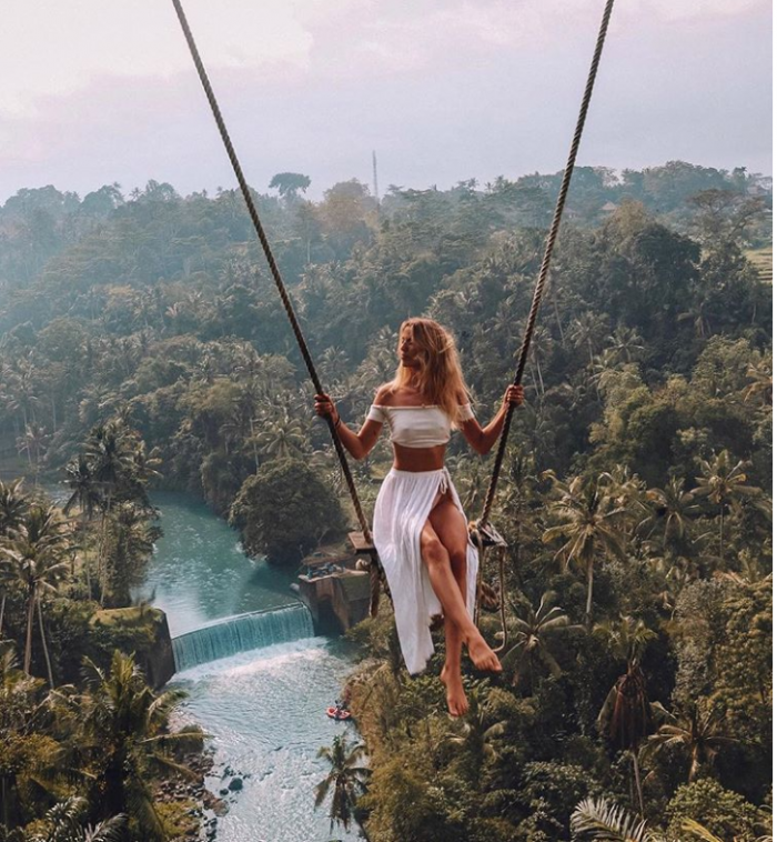 travel blogger inspo